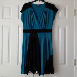Alfani turquoise and black pleated dress XL